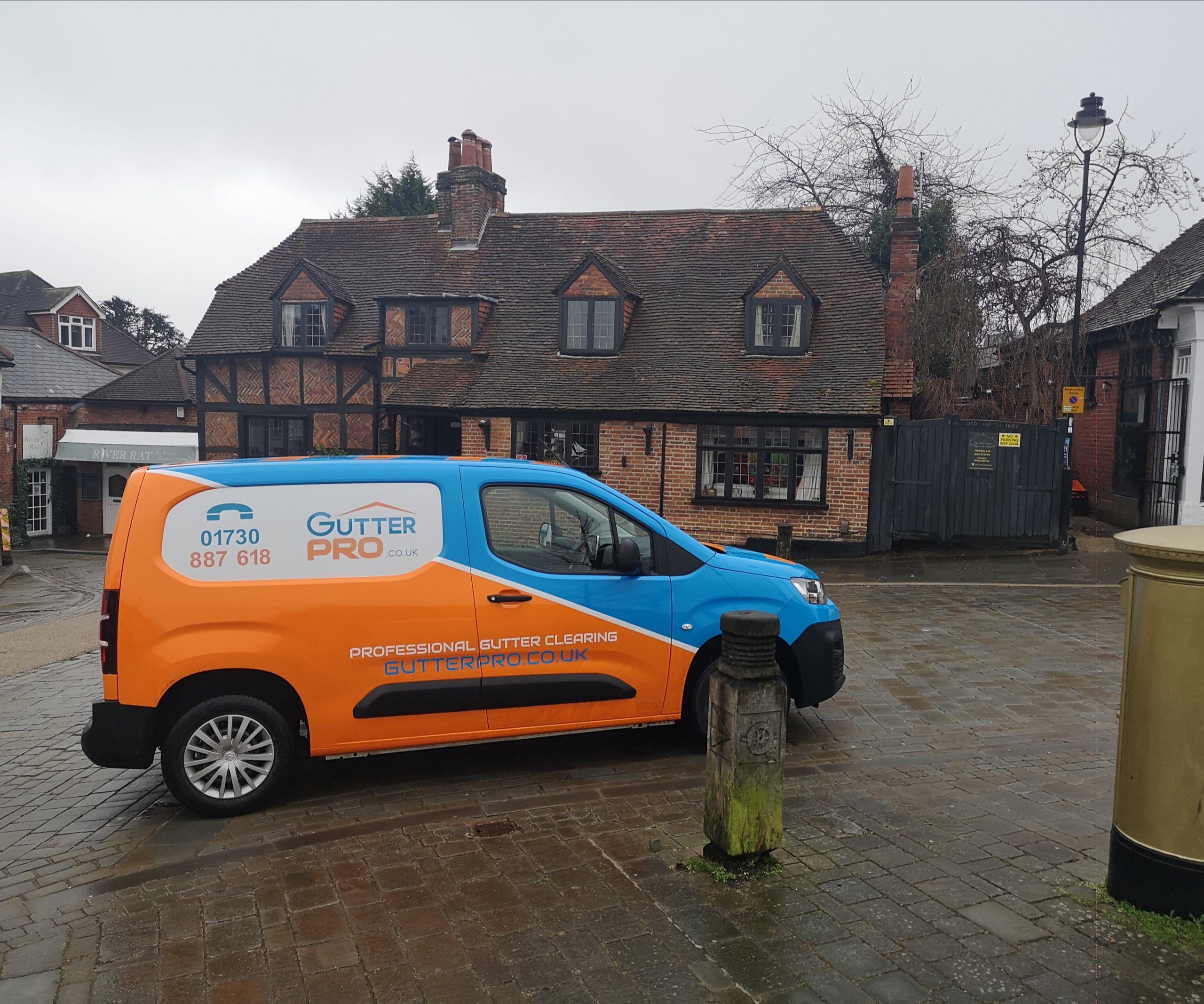 Gutter Cleaning Hamble le Rice