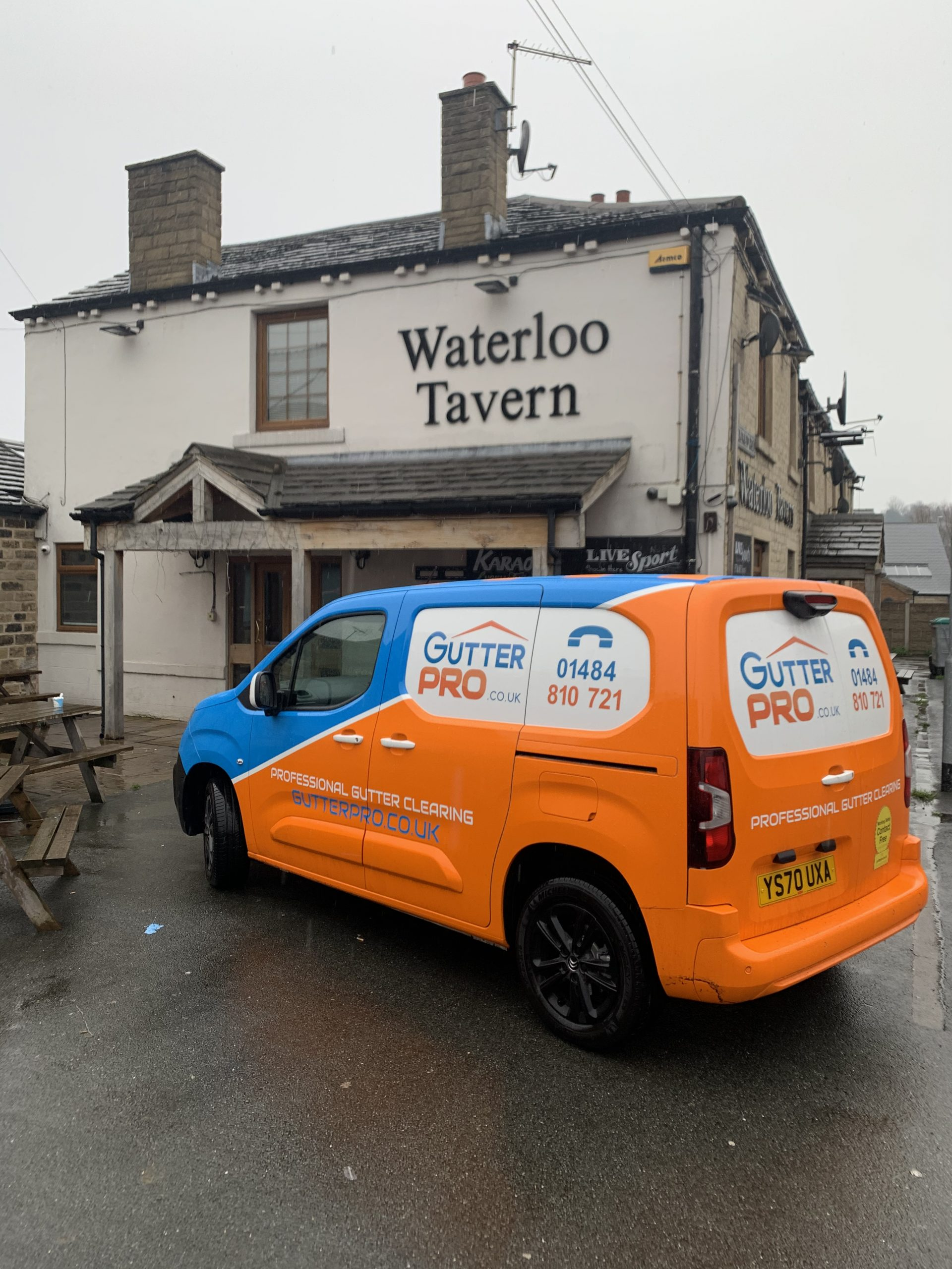 Gutter Cleaning Waterloo Tavern