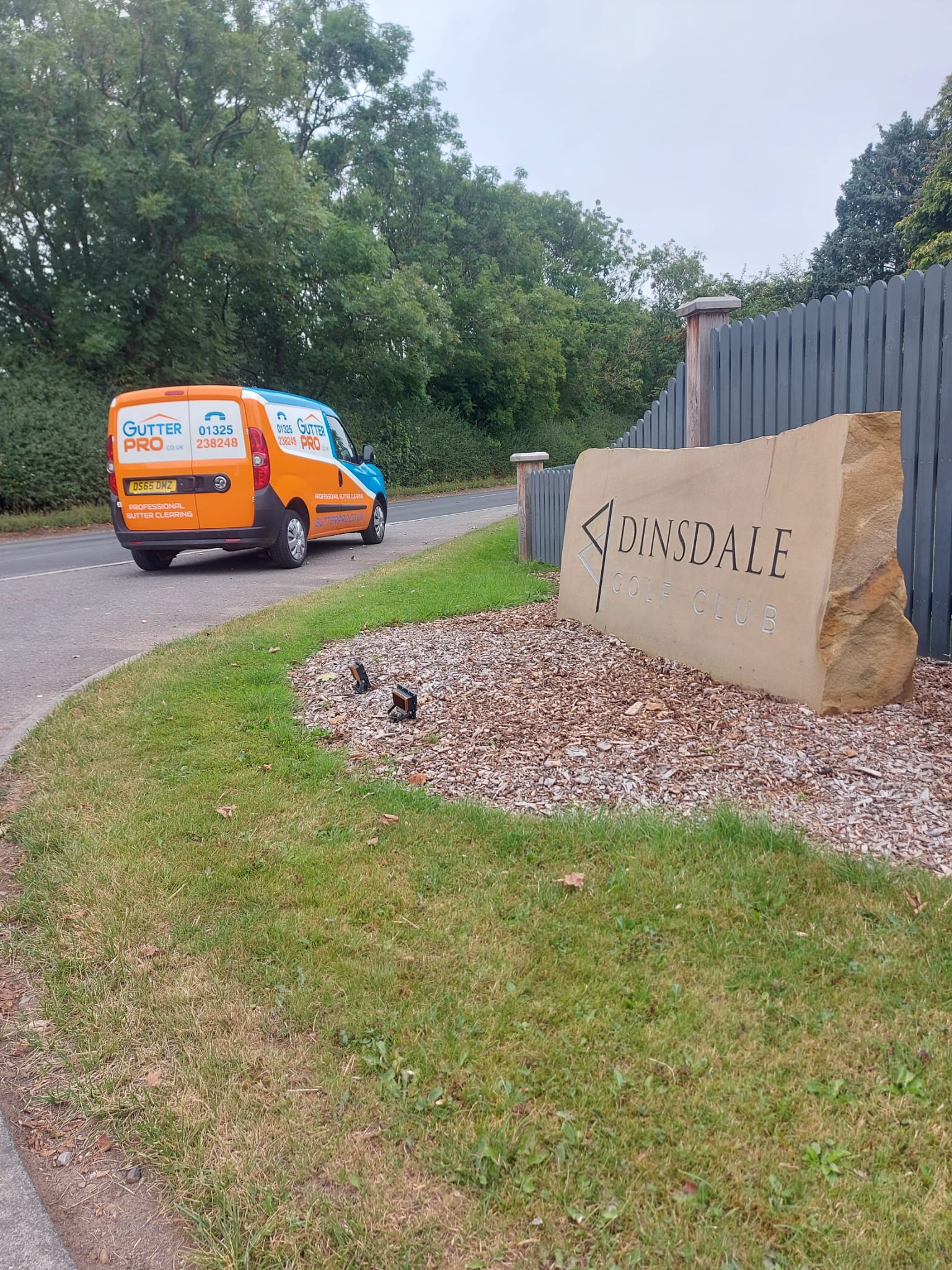 Gutter Cleaning Dinsdale